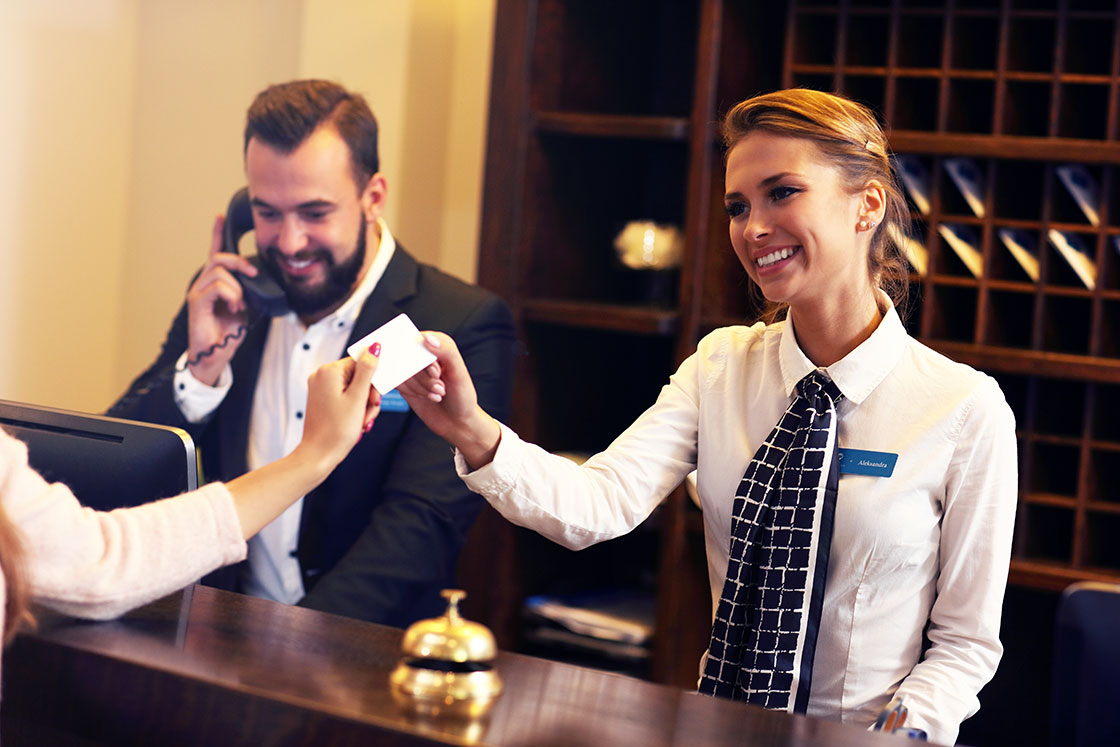 benefits of using Misterbooking cloud PMS for receptionists